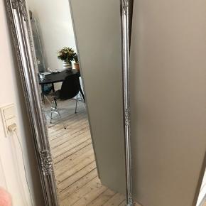 Spejl fra Jysk. Måler 72x162. Kan hentes på Nørrebro af køber.