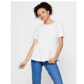 Sælger min helt nye tshirt fra Pieces, den har stadig prisskilt på 🥰
