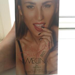 Medina perfect drug parfume by gosh. Den er aldrig brugt og stadig uåbnet.
