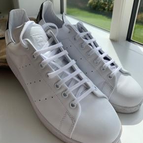 Adidas Stan Smith Recon. 🌑  Str 46.   Giver en god pris ved køb af flere sko (se min side)