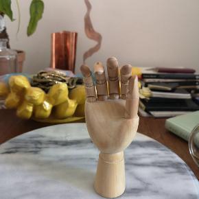 Træ hånd 👆