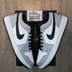 🌪️Jordan 1 Low Smoke Grey🌪️ - EUR 42.5 / US 9 Brand new, never touched a foot. Everything Original from Size. The price is 1399, - DKK / 220 $ - Good day out there 👌🏼