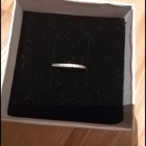Sølv ring med sten. Stemplet 925
