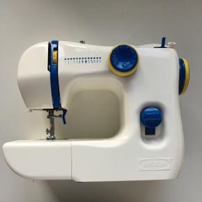 Symaskine - helt ny og aldrig brugtKommer med accessories
