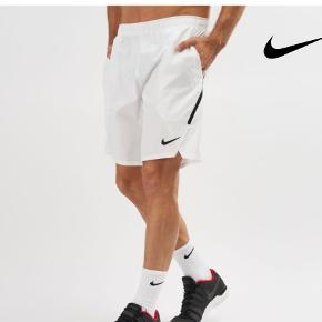 Nike court flex ace shorts (23 cm). Beregnet til tennis. Ekstra store lommer.