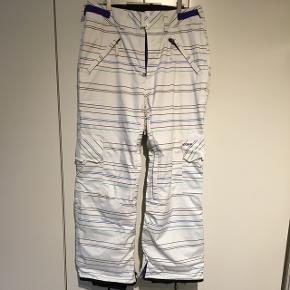 Snowboard bukser af mærket WARP