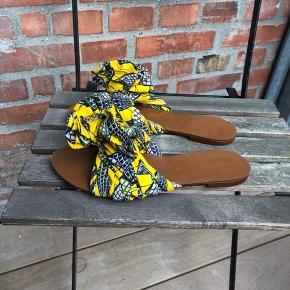 Fede sandaler i rigtig fin stand, stort det ikke brugt. Jeg sender gerne - 38 kr. med dao.