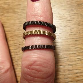 Super fine ringe sammen, hver for sig eller indeni den Skagen ring der passer til prisen er pr stk.