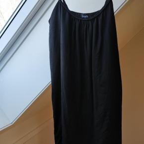 Varetype: Smart kort tunika/kort kjole Farve: Se billeder Prisen angivet er inklusiv forsendelse.