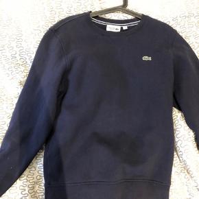 Lacoste trøje sælges da den ikke bliver brugt, den har en np på 700kr