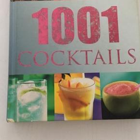 God cocktail bog med 1001 cocktail opskrifter med billeder og gode nem fremgangsmåde. God gaveidé 😊