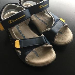 Champion sandaler