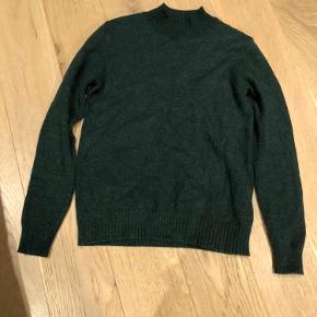 Super dejlig grøn sweater fra VILA i størrelse s