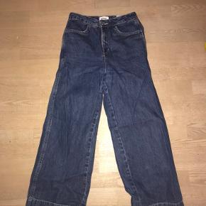 Pæne weekday bukser, købt for nogle år siden, men virker helt nye