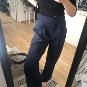 Navy højtaljede bukser i tyk kvalitet 🌚