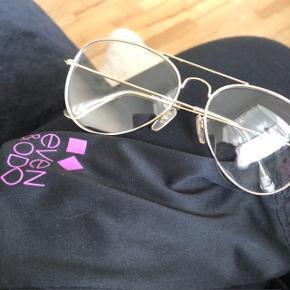 Rigtig søde briller fra Even & Odd. Prøvet en enkel gang. BYD
