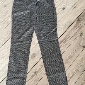 Six Ames bukser