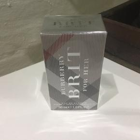 Brit for her 30ml edp. Plomberet