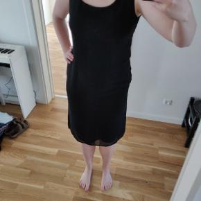 7f2de6ad1455 Merrytime kjole købt vintage. Syet med figur og pasform til den yndige  kvinde 💃 dejlig