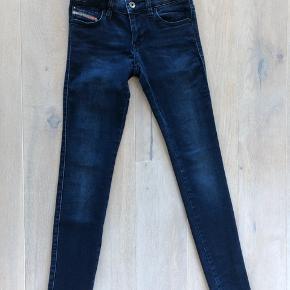 Seje Diesel jeans, smal model med stretch