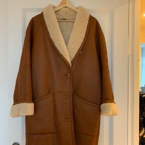"""Rulams"" frakke i læder"