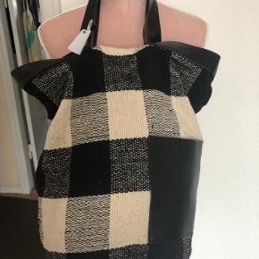 Taske fra mango  Mp 300kr + fragt + ts fragt