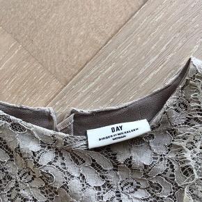 Sælger denne fine kjole fra DAY Birger et Mikkelsen. Brugt få gange.🌟
