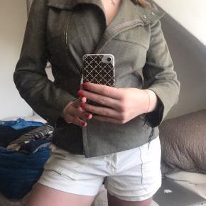 Virkelig smuk jakke fra Chloe🤎meget brugt indeni!