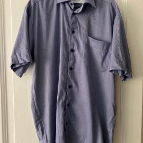 T-shirt skjorte fra Boswell and Sons.