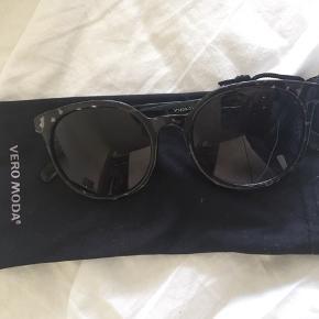 Solbriller fra vero moda. Brugt få gange.