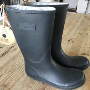 Bisgaard. Skønne sorte gummistøvler i str 38. Brugt to gange. Købt i skoringen Feb 2018.