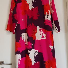 Holly & Whyte kjole