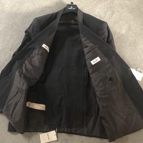 "Dobbeltradet Cerruti 1881 jakkesæt i 100% uld ""pure wool"" - koksgrå  Størrelse 52 - large - ca 86 cm"