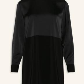 Super smuk kjole fra Love & Divine