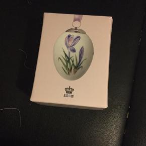 Royal æg i original æske med rede bånd og indlægsseddel  2018 lilla crokus (1249 989) Sender + Porto   #30daysseloout