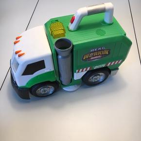 Dusty skraldebil - der kan samle småt legetøj op   Skal blot have nye batterier i.