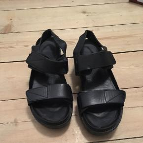 Vagabond Irene BlackSize: 37 (fits 37-38) A really good solid bottom for Copenhagen streets 😅 Selling because got another pair that looks just like them from &OtherStories🙊 Have the box if you want it 😊  Price negotiable 😉💪🏼