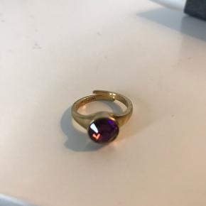 Smuk pilgrim ring, næsten ikke brugt   Byd endelig! 😊 Køb flere ting, så deler vi gerne fragten 🥳
