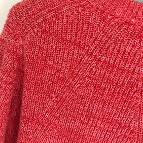 Bredden målt fra ærmegab til ærmegab ca 55 Længde ca 60 60% cotton 30% polyamide 10% wool Style Hanso Der står str xl men vil mene det mere er en str M