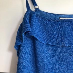 Nümph top i smuk blå farve. Toppen er 1 år gammel, men aldrig brugt.  Nypris: 450 kr.