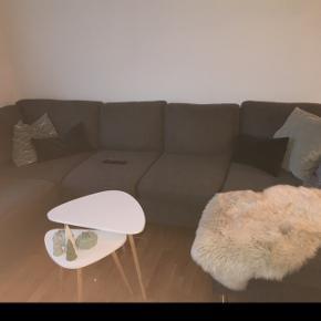 Sofa fra Daells Bolighus. Købt i november 17. Sælges pga. Flytning. Fejler intet, og god at sidde i. Ny pris 4000,-