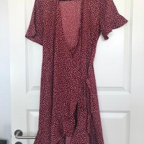 Vero moda kjole Str. Xl  Brugt få gange  80 kr.