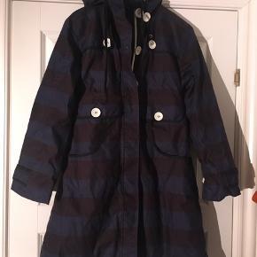 Fin vinterjakke fra Danefæ. Den er næsten ikke brugt. Uden huller, slidtage mm.