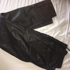 Pæne sorte Læderbukser