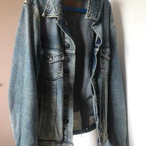 Denim jacket used but still good.