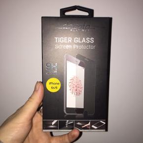 Skærmbeskyttelse til iPhone 6. Har aldrig været åbnet