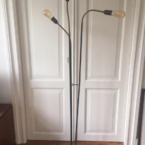 """Fed retro lampe - kaldet trafiklys. Skærmene er gået """"bort"""" de 3 pære kan medfølge ved den rigtige pris( styk nypris 75kr) Byd fair"""