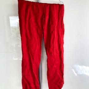 Røde bukser fra H&M i god stand.  #Secondchancesummer