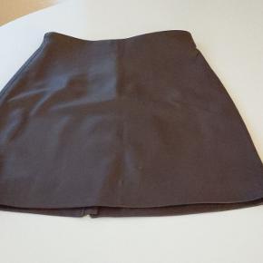 Super flot mini i det blødeste læder, desværre lige kort nok til mig, aldrig brugt, kun prøvet på