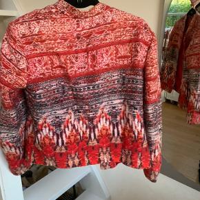 Super fin mønstret H&M jakke🤩 Skriv hvis du har spørgsmål🦋